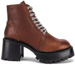 Helter Boot in Brown. - size 10 (also in 6, 7.5, 8, 8.5, 9)
