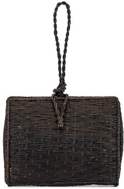Cuzco Vaulted Straw Wristlet Bag in Black.