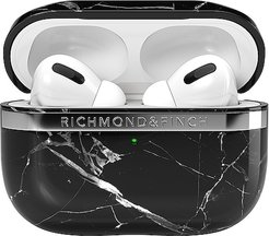 AirPod Pro Case in Black.