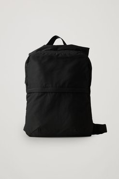 TECHNICAL BACKPACK WITH STRAPS