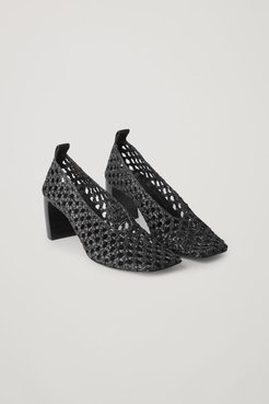 SQUARED LEATHER HEELED PUMPS