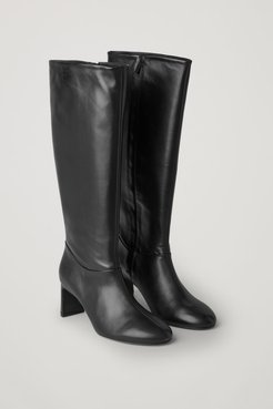 KNEE HIGH HEELED LEATHER BOOTS
