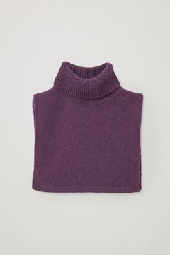 CASHMERE ROLL NECK SCARF