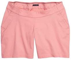 Seated Fit Hollywood Stretch 5 Shorts with Velcro Brand Closure and Magnetic Fly (Conch Shell) Women's Shorts