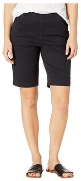 Petite Gracie Pull-On Bermuda Shorts (Black) Women's Shorts