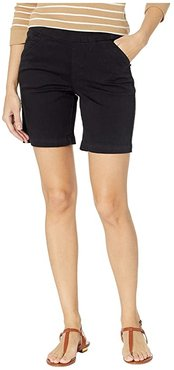 8 Gracie Pull-On Shorts in Twill (Black) Women's Shorts