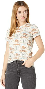 T-Shirt with All Over Novelty Print 49T8444 (Tan) Women's Clothing