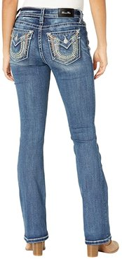 Mid-Rise Feather Bootcut in Dark Blue (Dark Blue) Women's Jeans