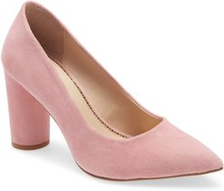 1901 Roderick Pointed Toe Pump