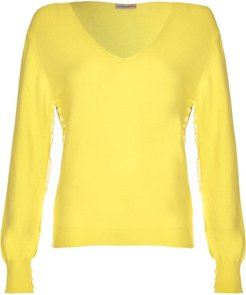 Foundation V-Neck In Rapeseed Citrus Yellow