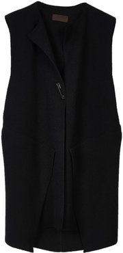 Menna Knitted Wool / Cashmere Blend Sleeveless Jacket In Star Black