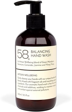 Balancing Hand Wash With Extracts Of Fennel & Elemi Oil 250 Ml