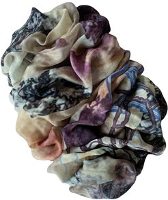 Reveal Wool Scarf