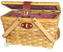 Picnic Basket with Plaid Lining