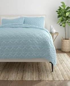 Home Collection Premium Ultra Soft Damask Pattern Quilted Coverlet Set, Queen Bedding