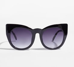 And Your Point is Cat-Eye Round Sunglasses - Black
