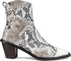 Western Wave Boots in Animal Print,Neutral,White
