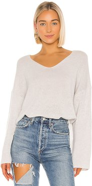 Relaxed Double V Hi Lo Sweater in Gray. - size M (also in L,S,XS)