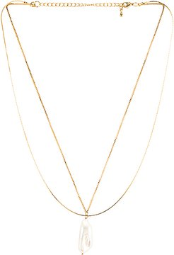 Lynn Necklace in Metallic Gold.