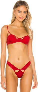 Detail Bikini Top in Red. - size XS (also in S)