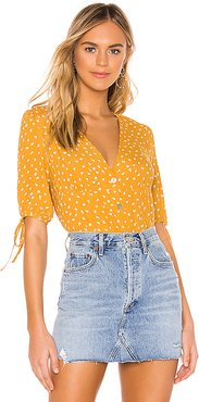 Amelia Blouse in Yellow. - size M (also in L,XS)