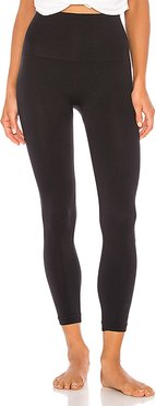 Cropped Look At Me Now Legging in Black. - size M (also in S)