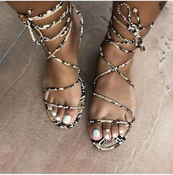 Fashion flat sandals stores and shops, clothes shopping near me,