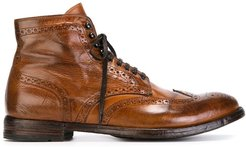 distressed brogue boots - Brown