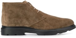 classic lace-up boots - Brown