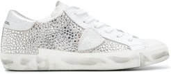 low top diamante embellished sneakers - White