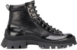 logo-debossed lace up hiking boots - Black