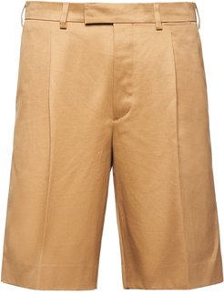 pleated front Bermuda shorts - Neutrals