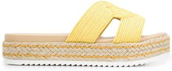 Kaia contrast panel sandals - Yellow
