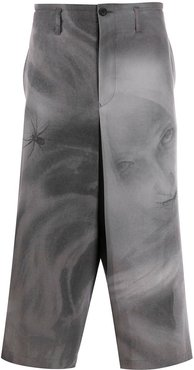 abstract-print wide leg trousers - Grey