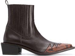 embossed snakeskin effect boots - Brown