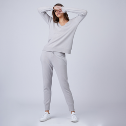 Ribbed Cashmere Joggers in Stone