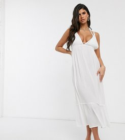 Exclusive beach dress with ruffle tier in white