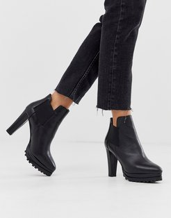Sarris heeled leather boots in black