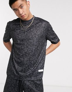 Arcminute mix and match all over print t-shirt in black