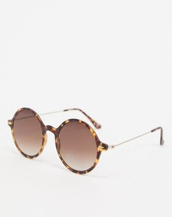 70s round sunglasses in brown tort with brown grad lens
