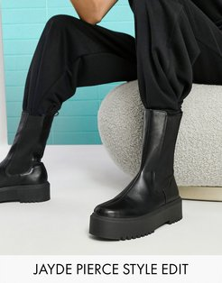 Alana chunky chelsea boots in black