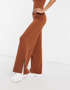 co-ord knitted sweatpants in brown