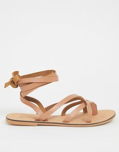 Framed strappy leather sandal in tan