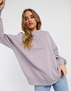 oversized sweatshirt with Berlin embroidery in wash-Pink