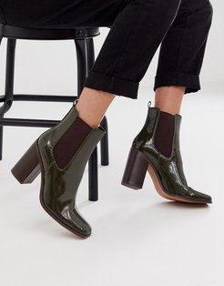 River heeled chelsea boots in green patent
