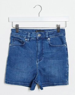 seamed denim shorts in blue