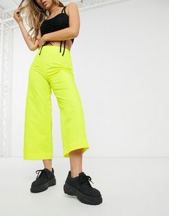 wide leg shell pants in bright yellow-Black