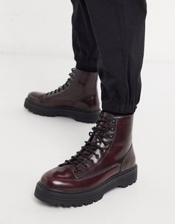 lace up boot in burgundy-Red