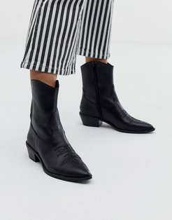 western leather ankle boot in black