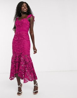 lace midi fishtail dress in fuchsia-Pink